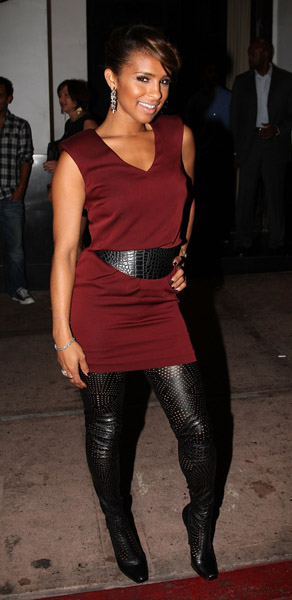 STYLE WATCH: MELODY THORNTON & RIHANNA