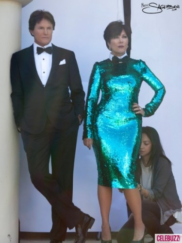 The Kardashians are bringing this Christmas season to life with their stylish and memorable 2011 Kardashian Christmas Card!