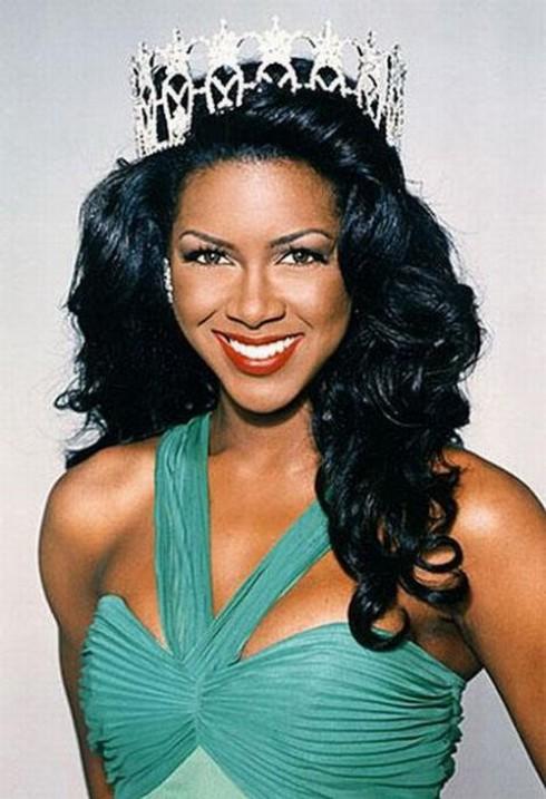 Miss_USA_Kenya_Moore-490x717