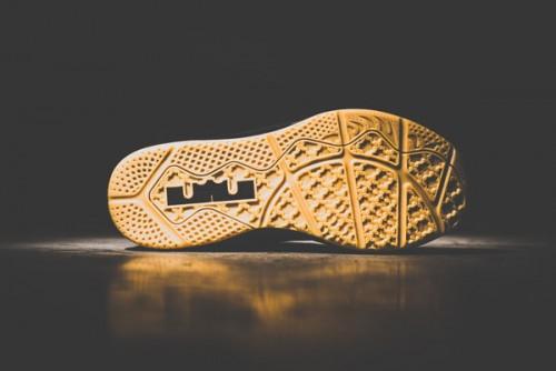 Nike_LeBron_11_Low_Black_Gum-8_1024x1024