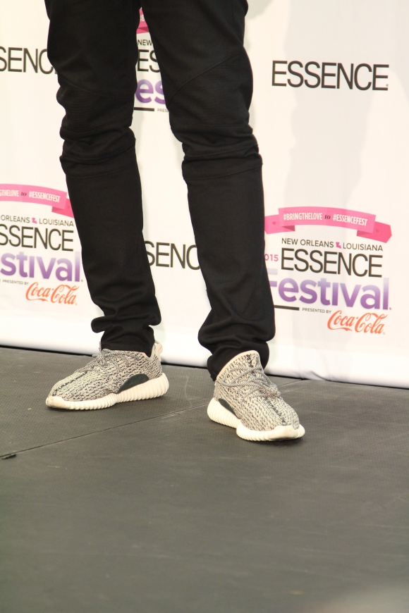 lecrae at essence fest in yeezy boost