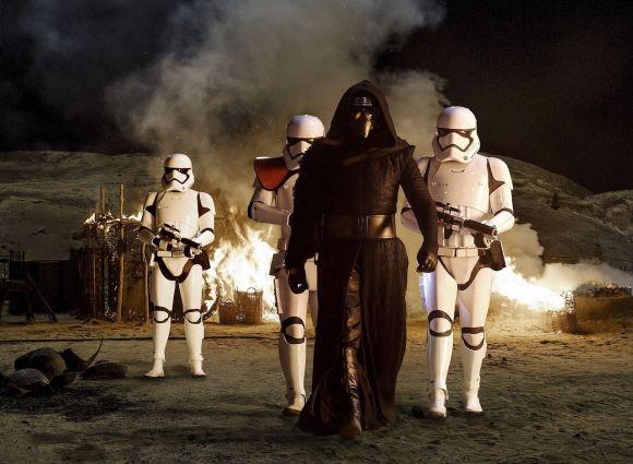 Star Wars: The Force Awakens Trailer