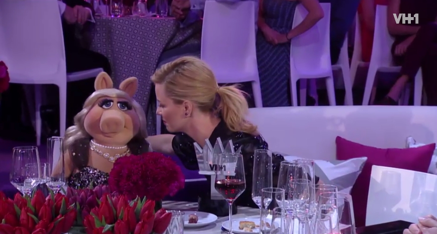 miss-piggy-kiss