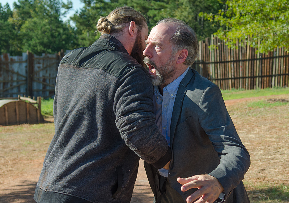 the-walking-dead-episode-611-xander-berkeley-935