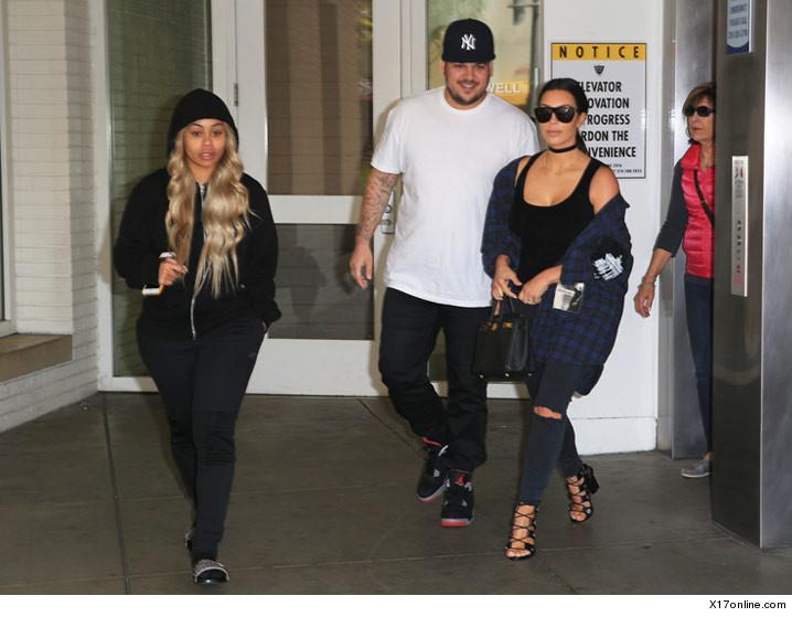 0426-rob-kardashian-kim-kardashian-blac-chyna-x17-4