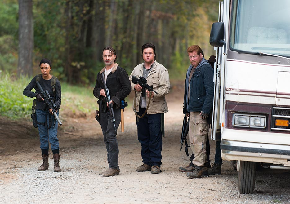 the-walking-dead-episode-616-rick-lincoln-2-935
