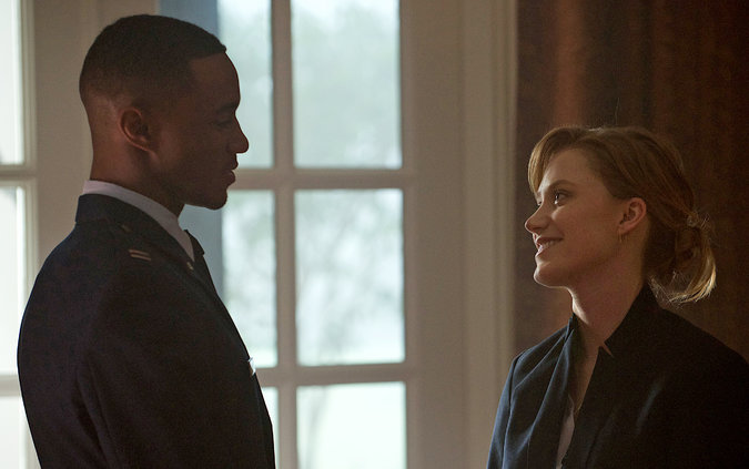 Jessie T. Usher and Maika Monroe in 'Independence Day: Resurgence.' Photo Credit: Claudette Barius/20th Century Fox