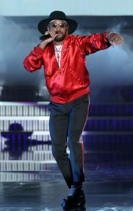Singer Ro James