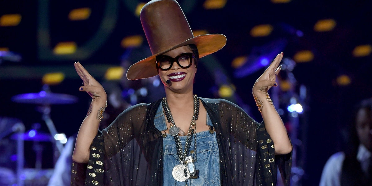 112716-music-soul-train-awards-erykah-badu