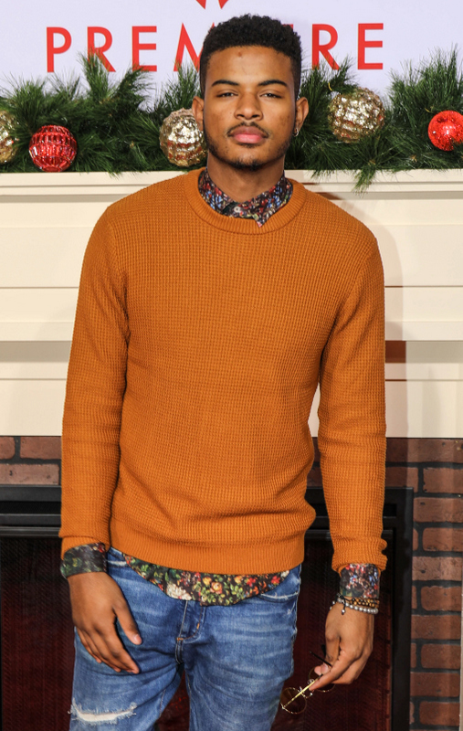 Almost Christmas Jessie Usher.Mo Nique Gabrielle Union More At Almost Christmas