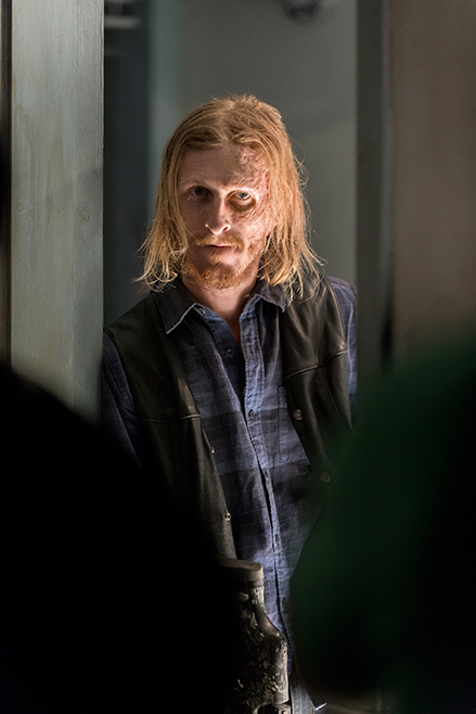 the-walking-dead-episode-703-dwight-amelio-658