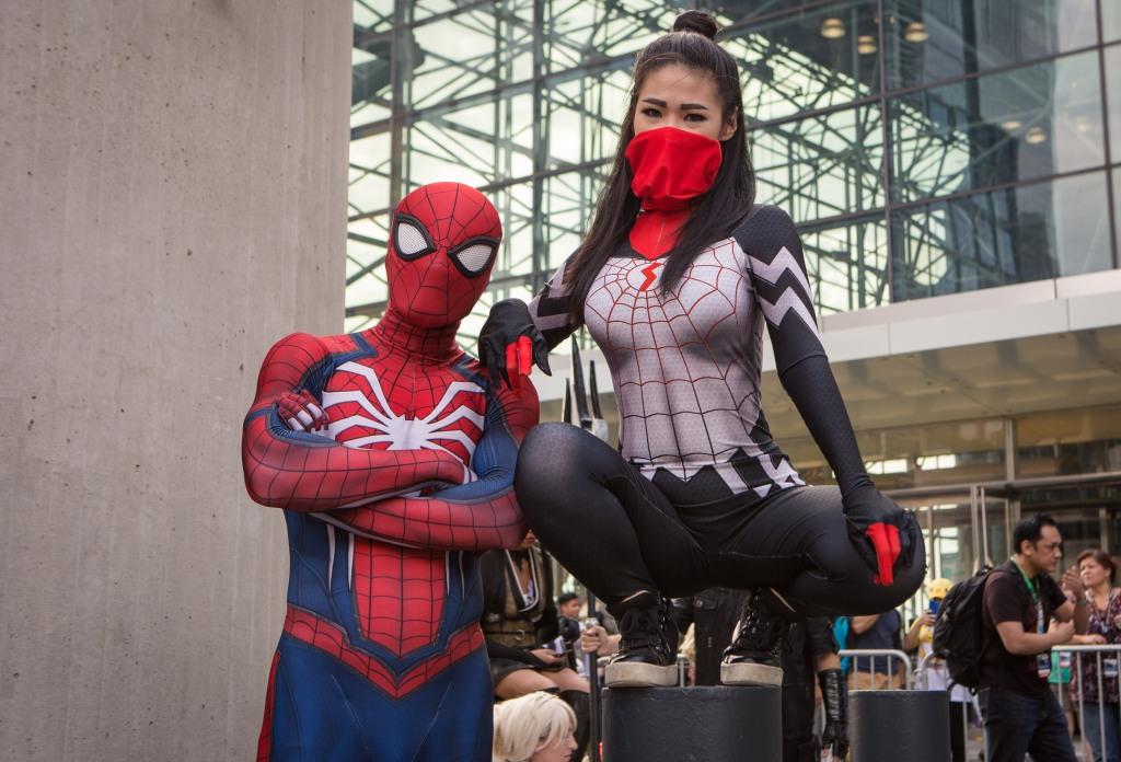 Spider-Man and Spider-Gwen NYCC 2017