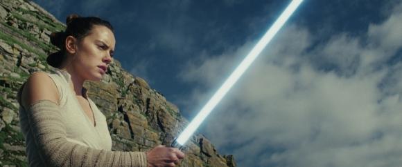 Star Wars: The Last Jedi Tempt Clip